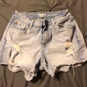 Woman's high rise denim shorts